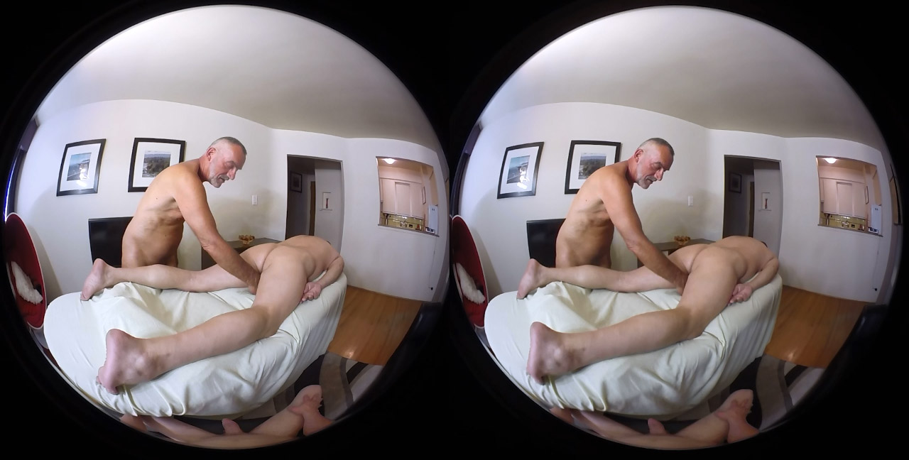 Chris brown naked on sidekick